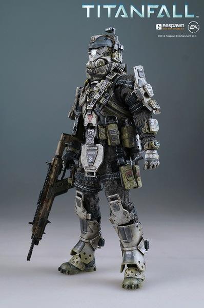 Titan pilot011